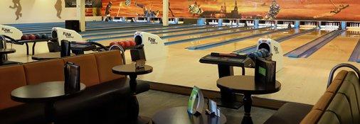 16 Bowlingbahnen